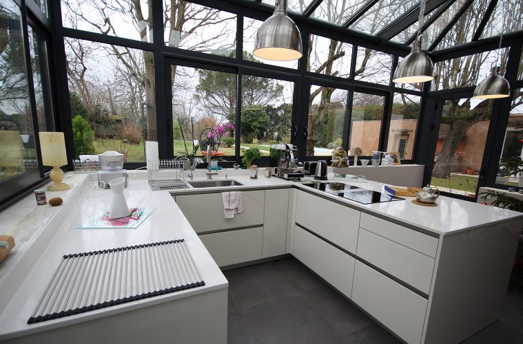 a kitchen in the winter garden - Garden Kitchen